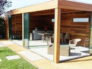Pool house, local technique, studio ou bureau de jardin, abri pour votre jacuzzi, espaces détente