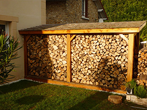 Abri bûcher en bois, range buche de jardin, abri buches, abri à bois
