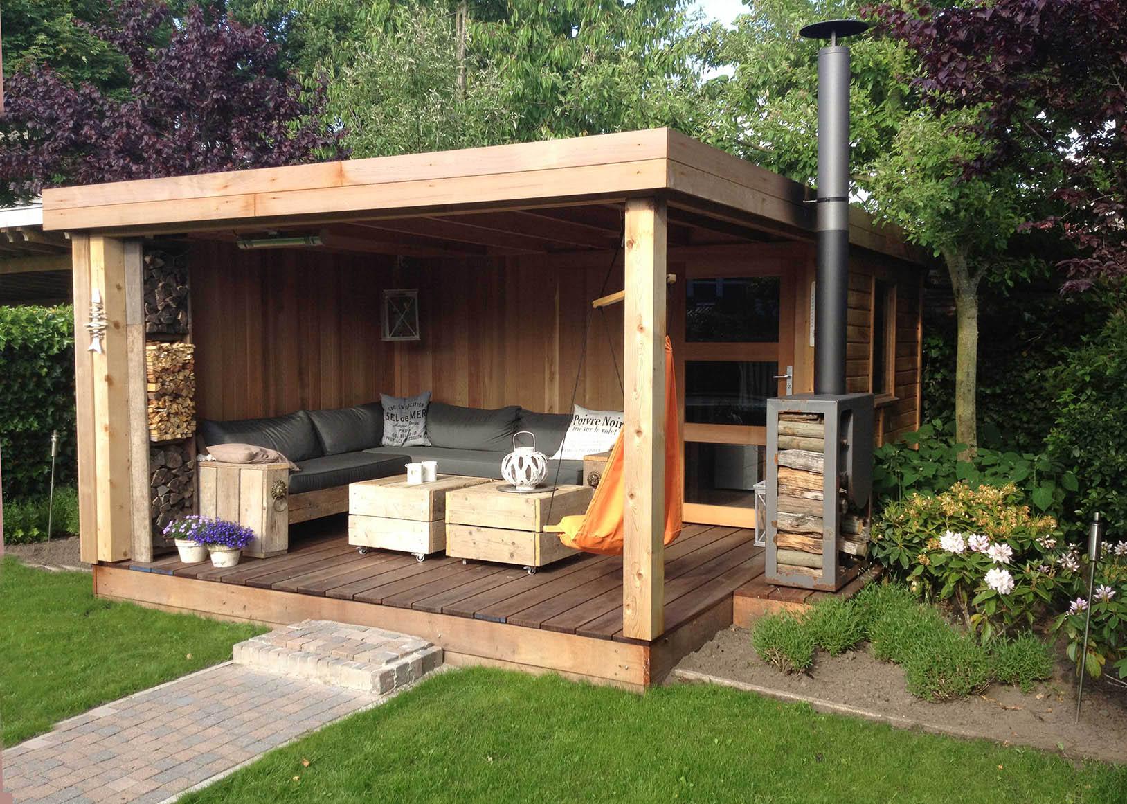 Poolhouse en bois avec pergola